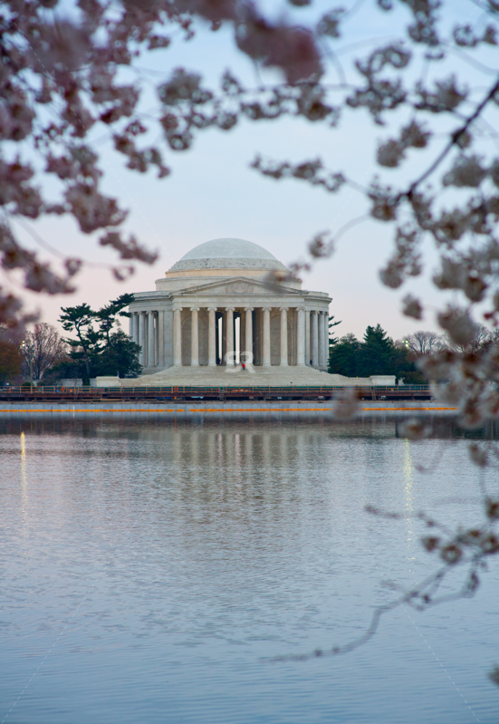 Beautiful photo of the Thomas Jefferson Memorial at sunset in Washington DC