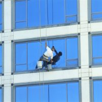 Window washer high up